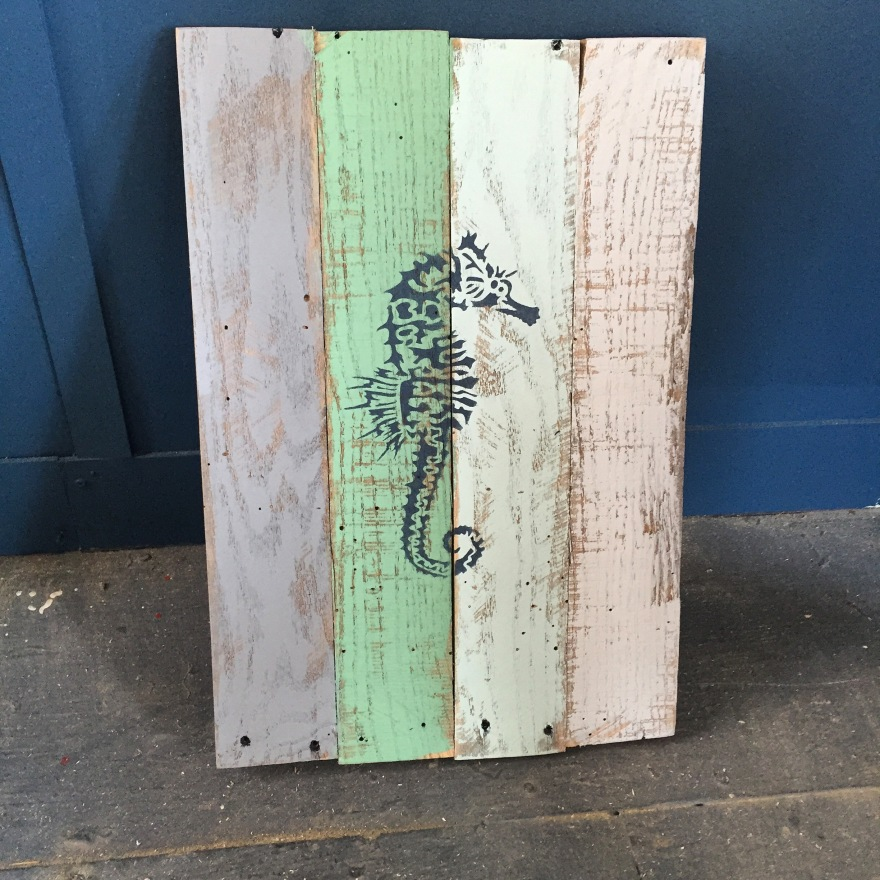 ds-palletsign-seahorse